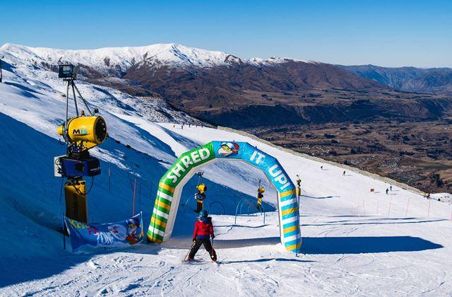 Learn To Ski Snowboard Coronet Peak Coronet Peak Ski New Zealand